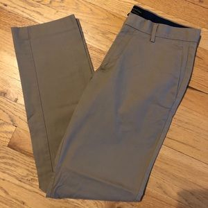 Banana Republic Men's Non-Iron Slim-Fit Khakis 30